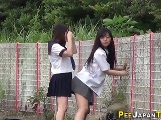 Japanese teen skanks pee